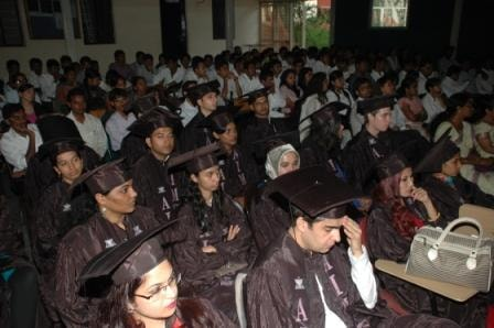 pg-graduation-day-2013-4