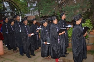 pg-graduation-day-2012-3